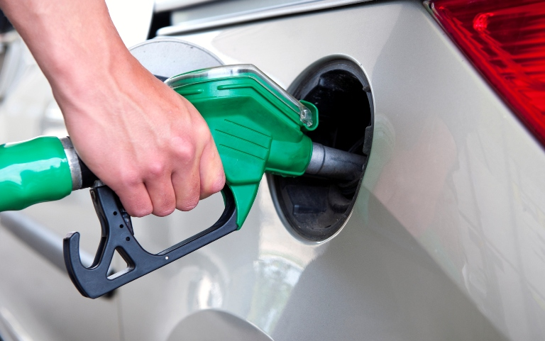 Граждане Прибалтики украли бензин