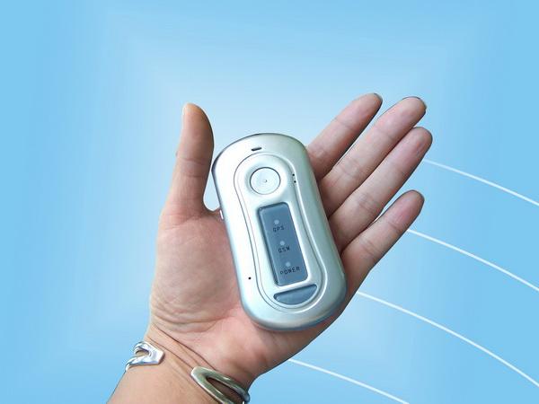 Небольшие размеры GPS-передатчика