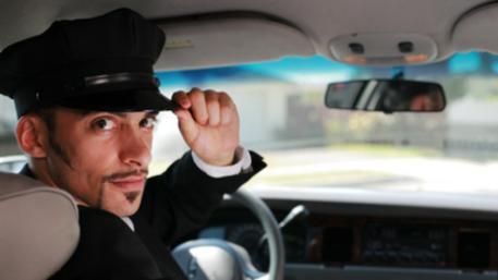 Во Франции водителям запретят говорить по мобильному телефону