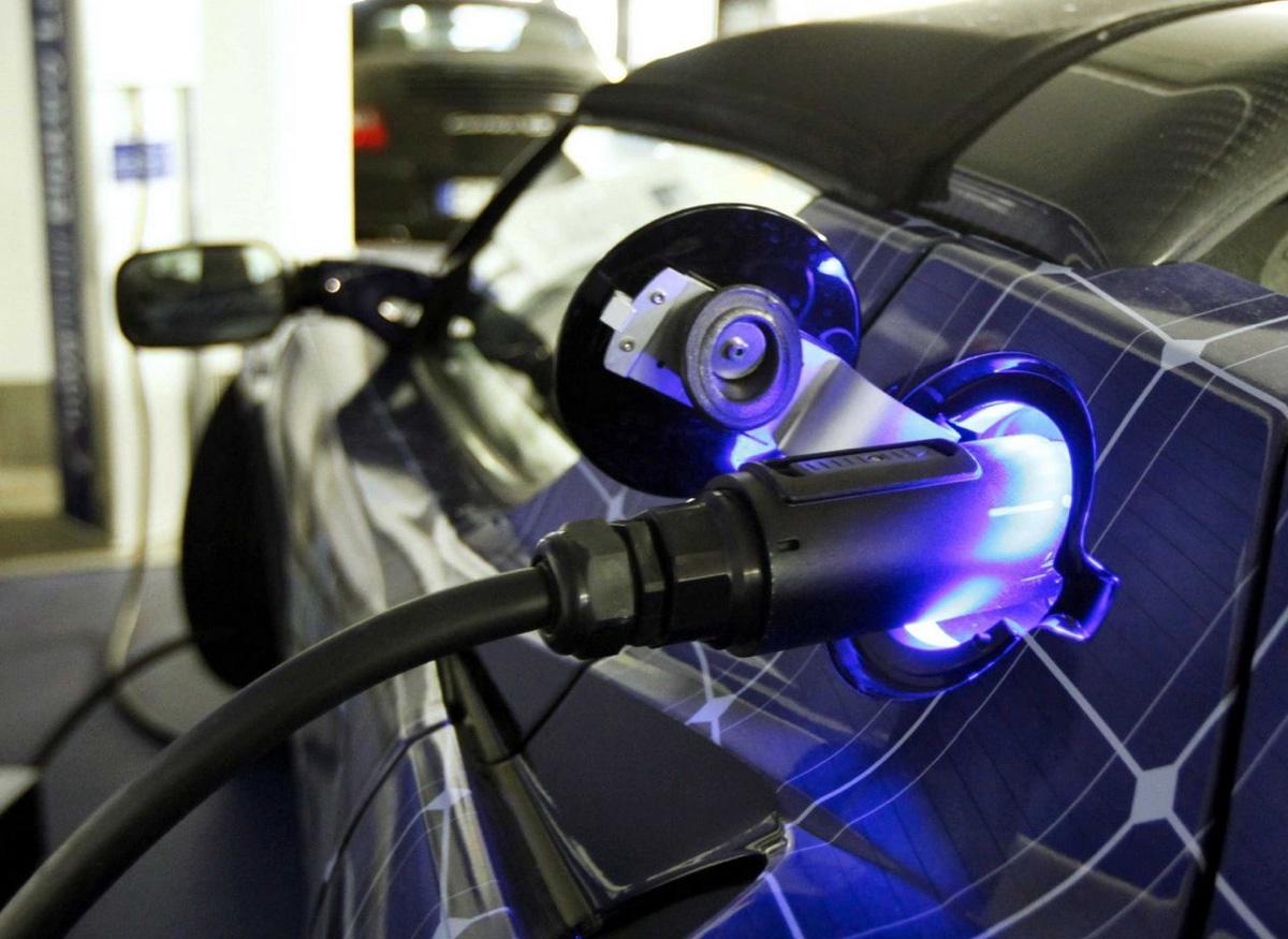В СПБ и Москве построят заправка для электромобилей